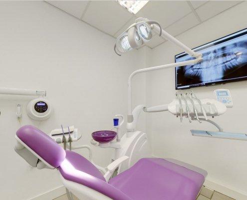 Box 2 Clinica Odontoiatrica Dott. Reato Dentista Barcellona Spagna