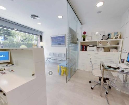 Sala di Attesa, Ricezione e Officio Clinica Odontoiatrica Dott. Reato Dentista Barcellona Spagna